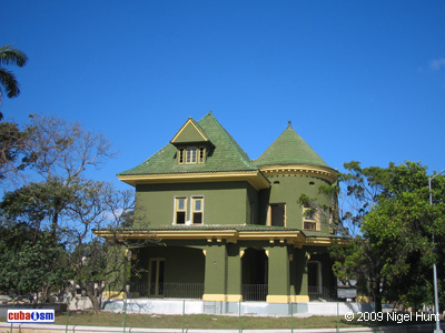 Casa de alberto de armas casa verde la arquitectura de - Casas color verde ...