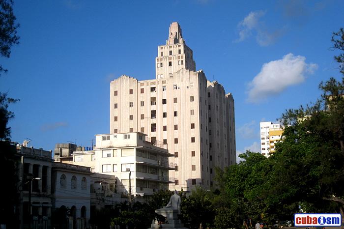 Edificio López Serrano, La Habana, Cuba
