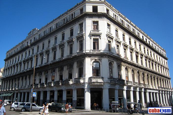 Manzana de Gómez, La Habana, Cuba
