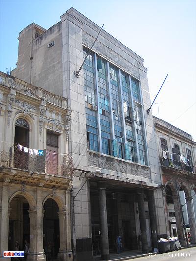 Sede del Antiguo Periódico El País, Centro Habana, Cuba